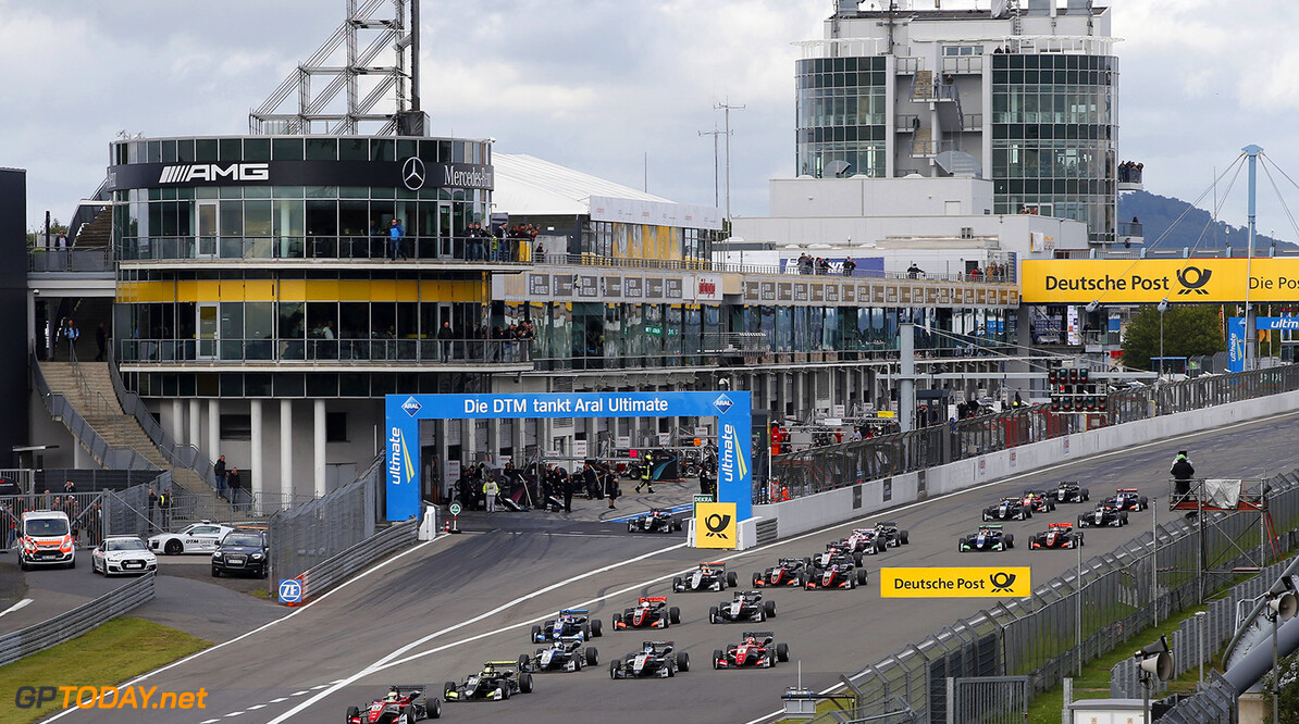 FIA Formula 3 European Championship, round 8, race 3, N?rburgri Start of the race, 53 Callum Ilott (GBR, Prema Powerteam, Dallara F317 - Mercedes-Benz) taking the lead from 31 Lando Norris (GBR, Carlin, Dallara F317 - Volkswagen), 34 Jake Hughes (GBR, Hitech Grand Prix, Dallara F317 - Mercedes-Benz), 7 Ralf Aron (EST, Hitech Grand Prix, Dallara F317 - Mercedes-Benz), 8 Guanyu Zhou (CHN, Prema Powerteam, Dallara F317 - Mercedes-Benz), FIA Formula 3 European Championship, round 8, race 3, N?rburgring (DEU), 8. - 10. September 2017 FIA Formula 3 European Championship 2017, round 8, race 3, N?rburgring (DEU) Thomas Suer N?rburgring Germany