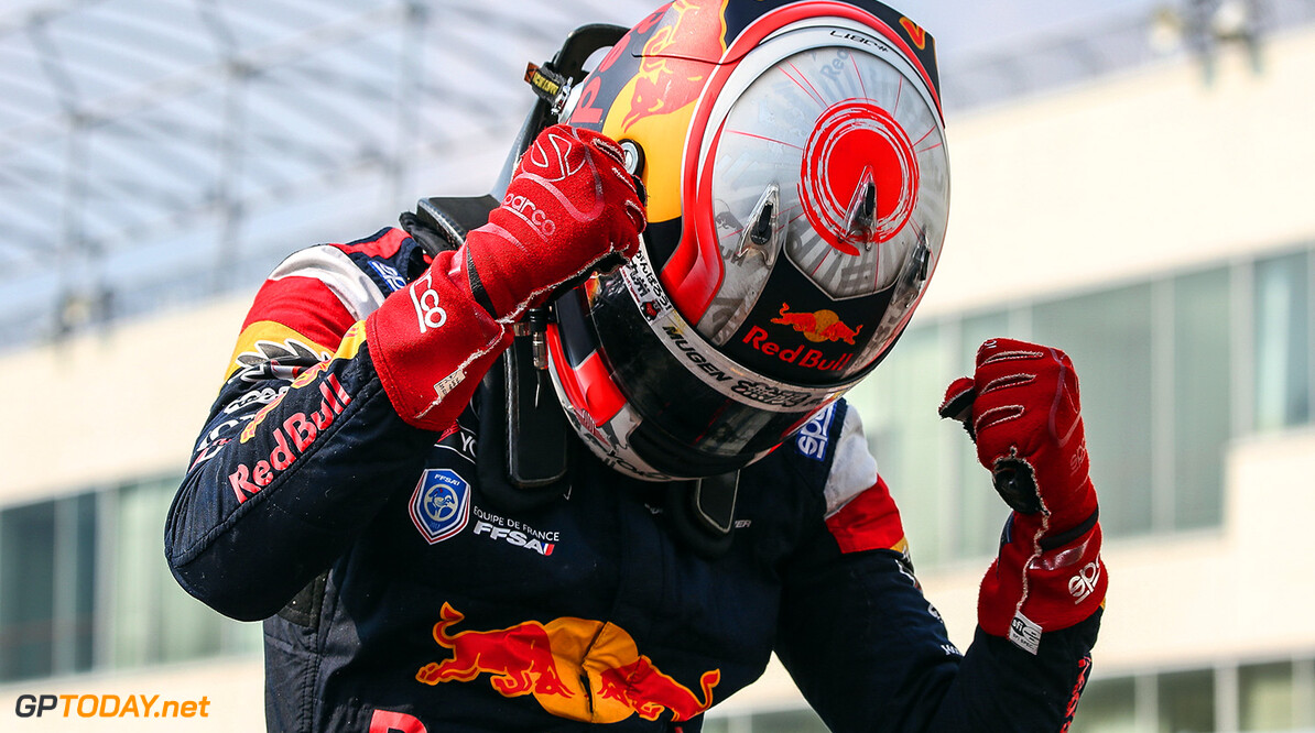 HITA,JAPAN,10.SEP.17 - MOTORSPORTS, RED BULL JUNIOR TEAM - Japanese Super Formula Championship, Autopolis. Image shows Pierre Gasly (FRA). // Dutch Photo Agency/Red Bull Content Pool // P-20170910-00668 // Usage for editorial use only // Please go to www.redbullcontentpool.com for further information. //  Pierre Gasly T.Ogasawara Hita Japan  P-20170910-00668