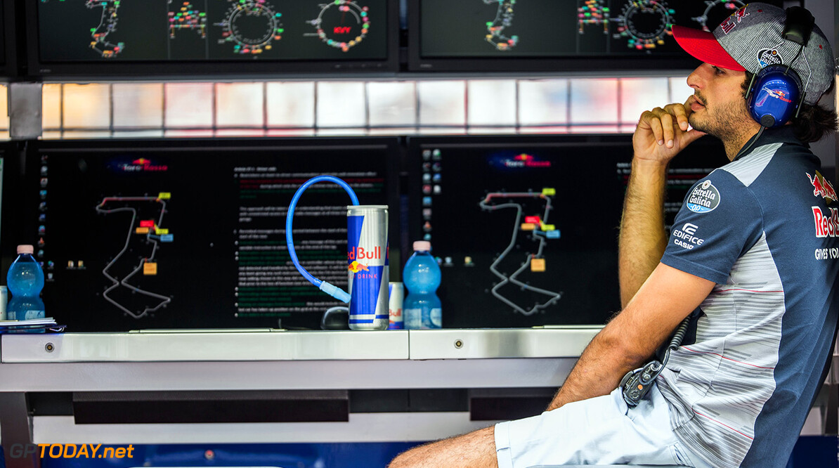 Carlos Sainz can race for Red Bull in 2019