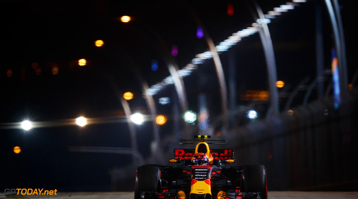 SINGAPORE - SEPTEMBER 15:  Max Verstappen of the Netherlands driving the (33) Red Bull Racing Red Bull-TAG Heuer RB13 TAG Heuer on track during practice for the Formula One Grand Prix of Singapore at Marina Bay Street Circuit on September 15, 2017 in Singapore.  (Photo by Lars Baron/Getty Images) // Getty Images / Red Bull Content Pool  // P-20170915-01328 // Usage for editorial use only // Please go to www.redbullcontentpool.com for further information. //  F1 Grand Prix of Singapore - Practice  Singapore Singapore  P-20170915-01328
