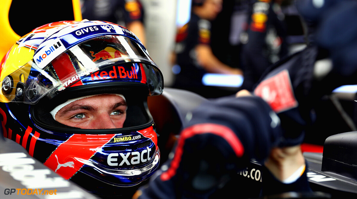 SINGAPORE - SEPTEMBER 15:  Max Verstappen of Netherlands and Red Bull Racing prepares to drive during practice for the Formula One Grand Prix of Singapore at Marina Bay Street Circuit on September 15, 2017 in Singapore.  (Photo by Mark Thompson/Getty Images) // Getty Images / Red Bull Content Pool  // P-20170915-00566 // Usage for editorial use only // Please go to www.redbullcontentpool.com for further information. //  F1 Grand Prix of Singapore - Practice Mark Thompson Singapore Singapore  P-20170915-00566