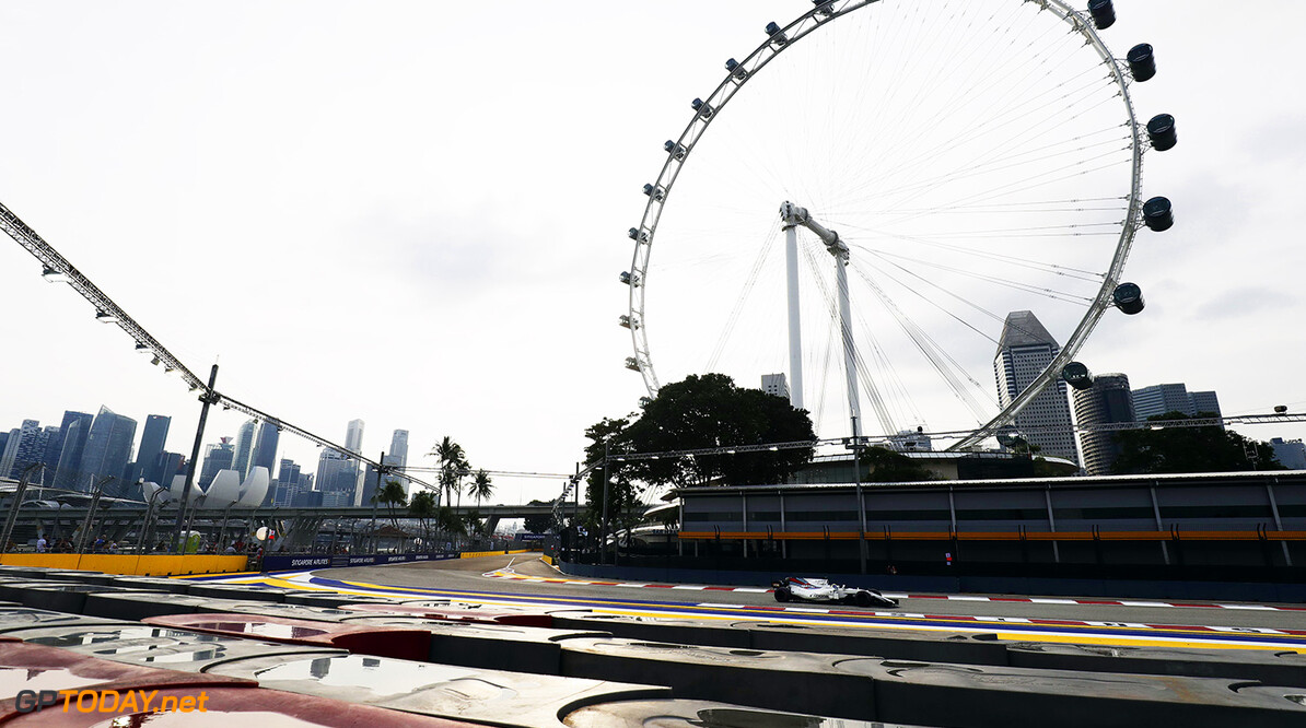 Marina Bay Circuit, Marina Bay, Singapore. Friday 15 September 2017. World Copyright: Zak Mauger/LAT Images  ref: Digital Image _56I3564  Zak Mauger    f1 formula 1 formula one gp