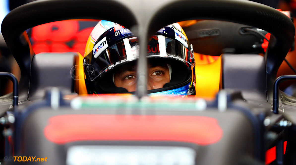 SINGAPORE - SEPTEMBER 15:  Daniel Ricciardo of Australia and Red Bull Racing prepares to drive during practice for the Formula One Grand Prix of Singapore at Marina Bay Street Circuit on September 15, 2017 in Singapore.  (Photo by Mark Thompson/Getty Images) // Getty Images / Red Bull Content Pool  // P-20170915-00560 // Usage for editorial use only // Please go to www.redbullcontentpool.com for further information. //  F1 Grand Prix of Singapore - Practice Mark Thompson Singapore Singapore  P-20170915-00560