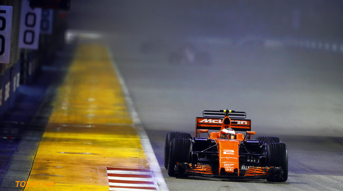 Marina Bay Circuit, Marina Bay, Singapore. Sunday 17 September 2017. Stoffel Vandoorne, McLaren MCL32 Honda.  Photo: Steven Tee/McLaren ref: Digital Image _R3I1258  Steven Tee    f1 formula 1 formula one gp grand prix Action
