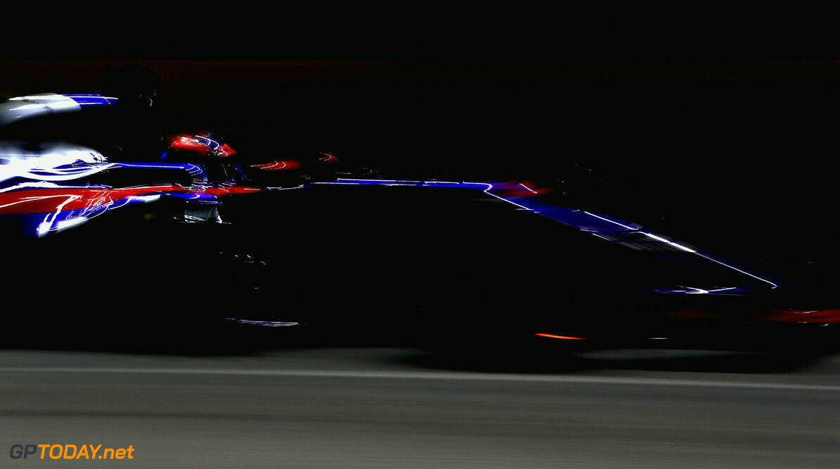 SINGAPORE - SEPTEMBER 16:  Daniil Kvyat of Russia driving the (26) Scuderia Toro Rosso STR12 on track during qualifying for the Formula One Grand Prix of Singapore at Marina Bay Street Circuit on September 16, 2017 in Singapore.  (Photo by Mark Thompson/Getty Images) // Getty Images / Red Bull Content Pool  // P-20170916-00546 // Usage for editorial use only // Please go to www.redbullcontentpool.com for further information. //  F1 Grand Prix of Singapore - Qualifying Mark Thompson Singapore Singapore  P-20170916-00546