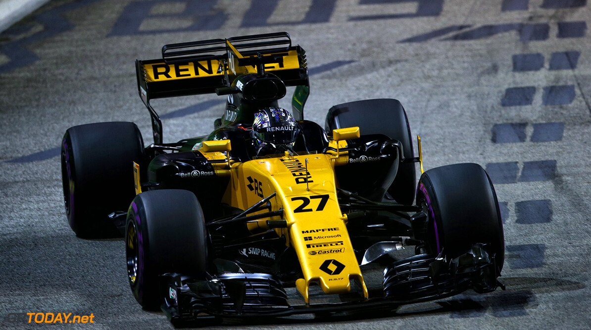 Formula One World Championship Nico Hulkenberg (GER) Renault Sport F1 Team RS17. Singapore Grand Prix, Sunday 17th September 2017. Marina Bay Street Circuit, Singapore. Motor Racing - Formula One World Championship - Singapore Grand Prix - Race Day - Singapore, Singapore Renault Sport Formula One Team Singapore Singapore  Formula One Formula 1 F1 GP Grand Prix Circuit Marina Bay Street Circuit Singapore JM759 Hulkenberg H?lkenberg Huelkenberg Action Track GP1714d