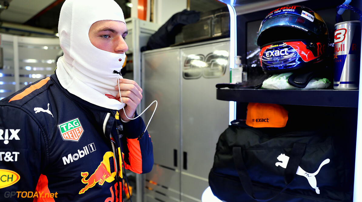 SINGAPORE - SEPTEMBER 17:  Max Verstappen of Netherlands and Red Bull Racing prepares to drive in the garage before the Formula One Grand Prix of Singapore at Marina Bay Street Circuit on September 17, 2017 in Singapore.  (Photo by Mark Thompson/Getty Images) // Getty Images / Red Bull Content Pool  // P-20170917-01105 // Usage for editorial use only // Please go to www.redbullcontentpool.com for further information. //  F1 Grand Prix of Singapore Mark Thompson Singapore Singapore  P-20170917-01105