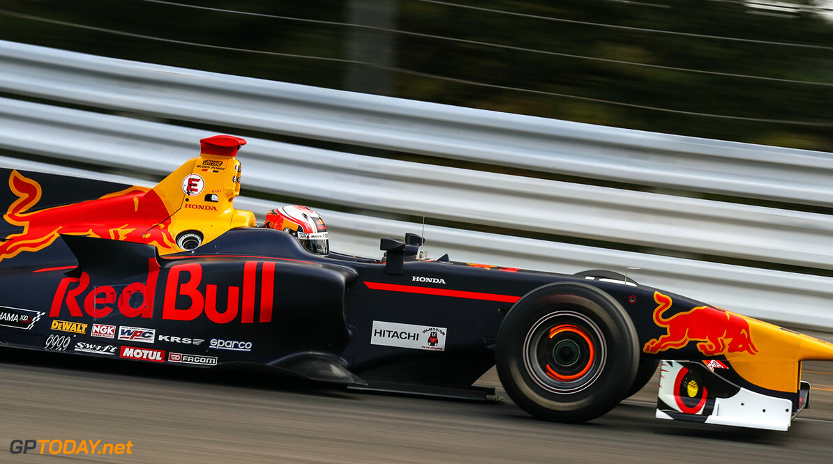 MURATA,JAPAN,22.SEP.17 - MOTORSPORTS, RED BULL JUNIOR TEAM - Japanese Super Formula Championship, Sportsland SUGO. Image shows Pierre Gasly (FRA). // Dutch Photo Agency/Red Bull Content Pool // P-20170922-00613 // Usage for editorial use only // Please go to www.redbullcontentpool.com for further information. //  Pierre Gasly T.OGASAWARA  Japan  P-20170922-00613