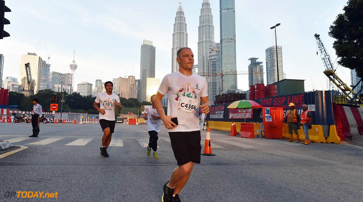 Archivnummer: M135011 Orchid Run & Ride 2017 Orchid Run & Ride 2017  Kuala Lumpur Malaysien  Malaysia Grand Prix Valtteri Bottas Sonntag PETRONAS 2017