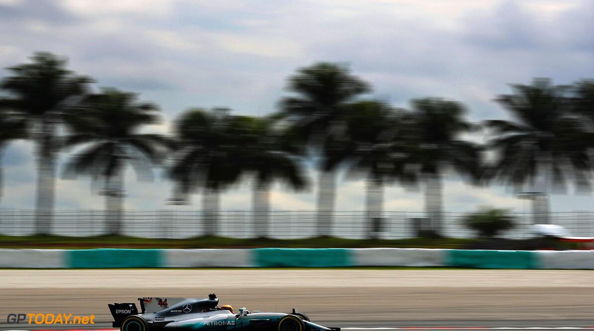 Mercedes vermoedt fundamenteel probleem in de auto