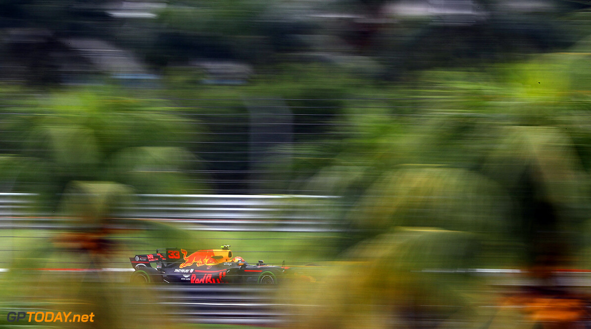 KUALA LUMPUR, MALAYSIA - SEPTEMBER 29: Max Verstappen of the Netherlands driving the (33) Red Bull Racing Red Bull-TAG Heuer RB13 TAG Heuer on track during practice for the Malaysia Formula One Grand Prix at Sepang Circuit on September 29, 2017 in Kuala Lumpur, Malaysia.  (Photo by Clive Mason/Getty Images) // Getty Images / Red Bull Content Pool  // P-20170929-00276 // Usage for editorial use only // Please go to www.redbullcontentpool.com for further information. //  F1 Grand Prix of Malaysia - Practice Clive Mason Sepang Malaysia  P-20170929-00276