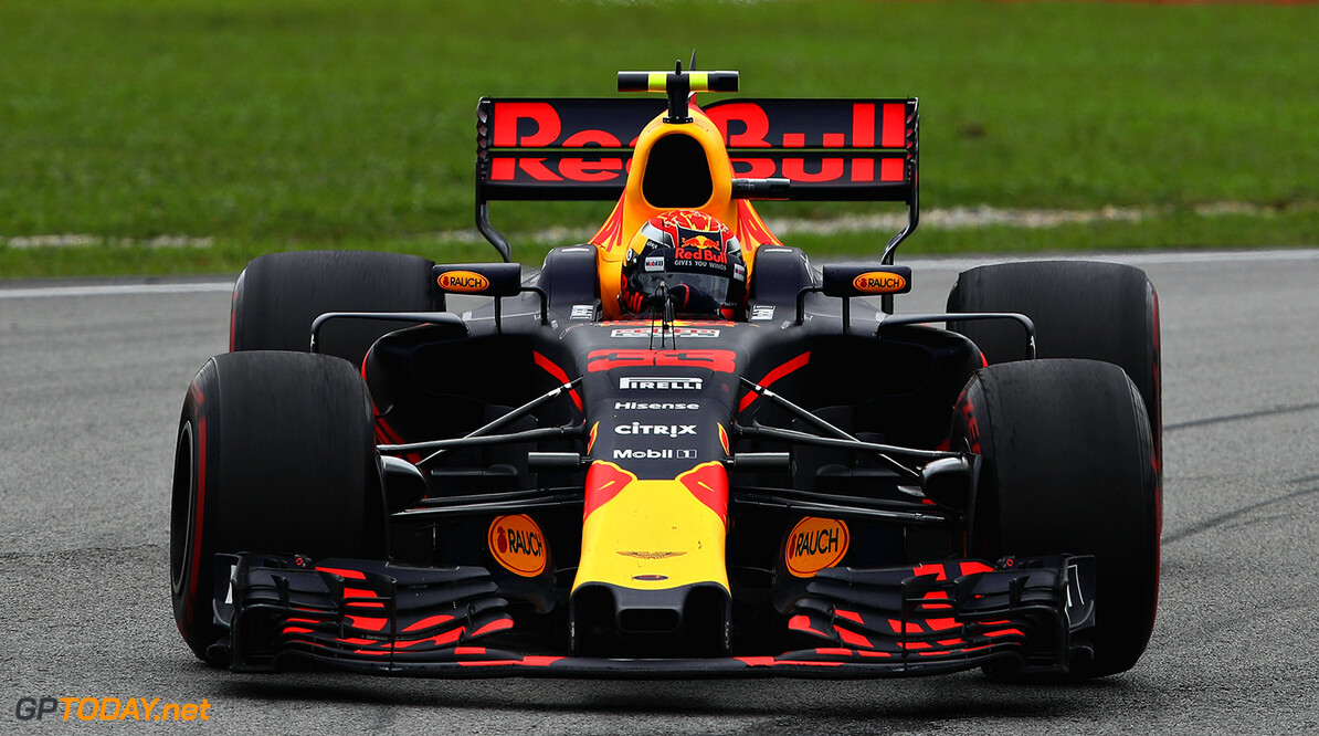 KUALA LUMPUR, MALAYSIA - OCTOBER 01: Max Verstappen of the Netherlands driving the (33) Red Bull Racing Red Bull-TAG Heuer RB13 TAG Heuer on track during the Malaysia Formula One Grand Prix at Sepang Circuit on October 1, 2017 in Kuala Lumpur, Malaysia.  (Photo by Clive Mason/Getty Images) // Getty Images / Red Bull Content Pool  // P-20171001-00421 // Usage for editorial use only // Please go to www.redbullcontentpool.com for further information. //  F1 Grand Prix of Malaysia Clive Mason Sepang Malaysia  P-20171001-00421
