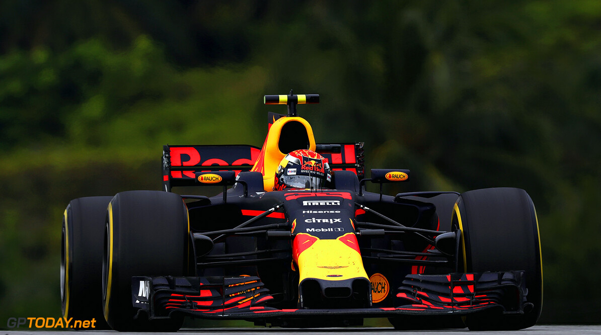 KUALA LUMPUR, MALAYSIA - OCTOBER 01: Max Verstappen of the Netherlands driving the (33) Red Bull Racing Red Bull-TAG Heuer RB13 TAG Heuer on track during the Malaysia Formula One Grand Prix at Sepang Circuit on October 1, 2017 in Kuala Lumpur, Malaysia.  (Photo by Lars Baron/Getty Images) // Getty Images / Red Bull Content Pool  // P-20171001-00445 // Usage for editorial use only // Please go to www.redbullcontentpool.com for further information. //  F1 Grand Prix of Malaysia Lars Baron Sepang Malaysia  P-20171001-00445