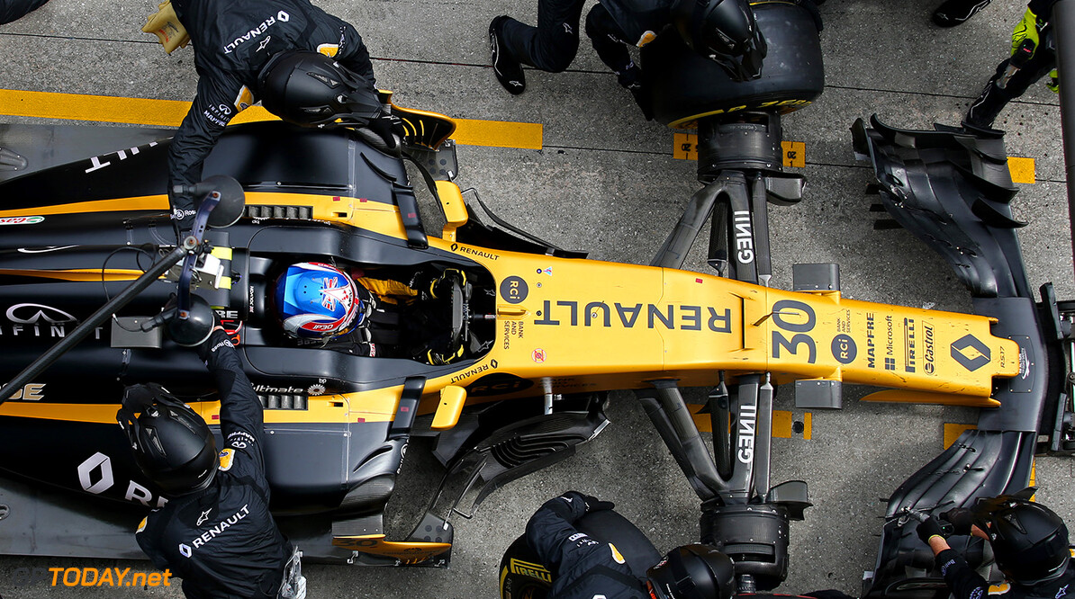 Formula One World Championship Jolyon Palmer (GBR) Renault Sport F1 Team RS17 makes a pit stop. Malaysian Grand Prix, Sunday 1st October 2017. Sepang, Kuala Lumpur, Malaysia. Motor Racing - Formula One World Championship - Malaysian Grand Prix - Race Day - Sepang, Malaysia Renault Sport Formula One Team Sepang Malaysia  Formula One Formula 1 F1 GP Grand Prix Kuala Lumpur Sepang Malaysia Malaysian JM765 Sepang International Circuit Pit Stop Pitstop Action Track GP1715d