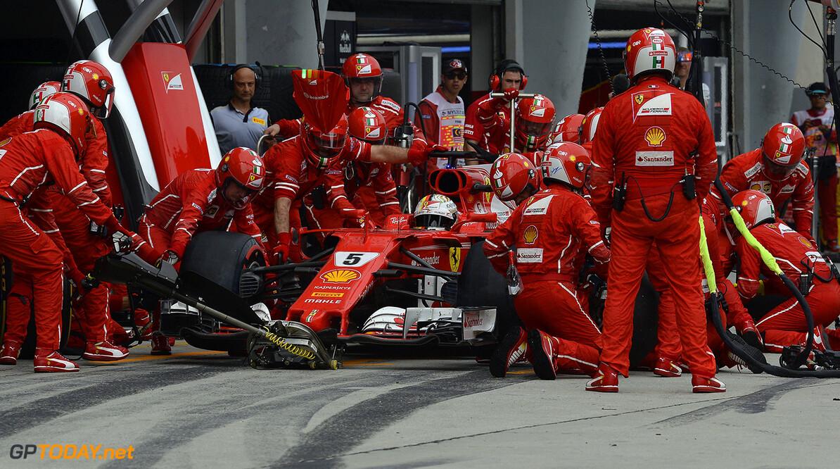 Waarschuwing voor Vettel wegens missen volkslied