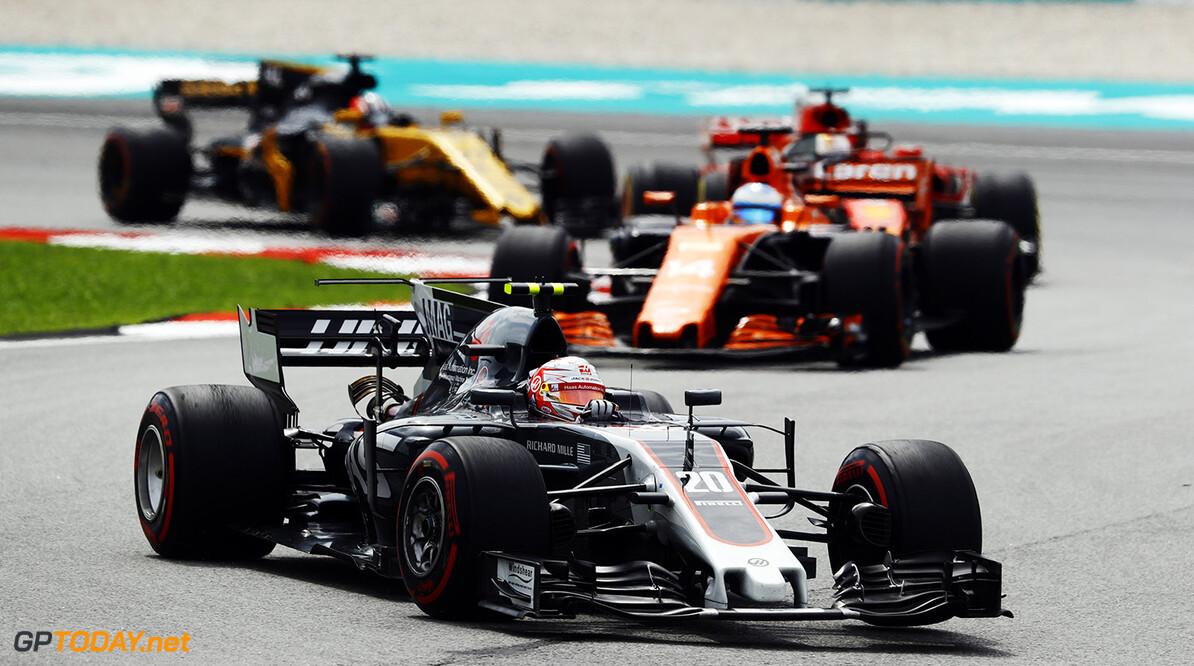Haas F1 team boss defends under-fire Magnussen