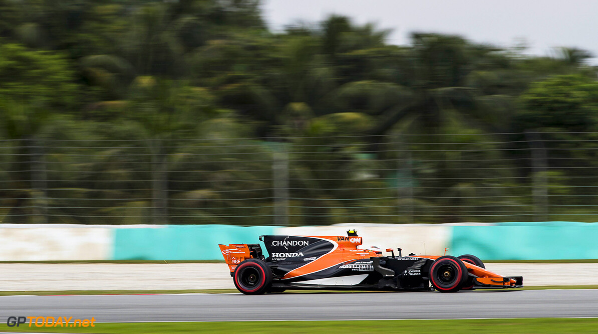 Sepang International Circuit, Sepang, Malaysia. Sunday 01 October 2017. Stoffel Vandoorne, McLaren MCL32 Honda.  World Copyright: Zak Mauger/McLaren  ref: Digital Image _56I1527  Zak Mauger    f1 formula 1 formula one gp Action