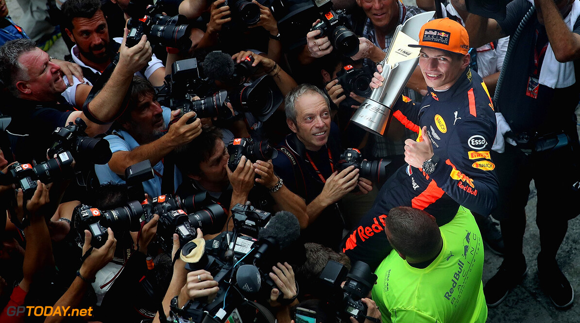 KUALA LUMPUR, MALAYSIA - OCTOBER 01:  Race winner Max Verstappen of Netherlands and Red Bull Racing celebrates with his team during the Malaysia Formula One Grand Prix at Sepang Circuit on October 1, 2017 in Kuala Lumpur, Malaysia.  (Photo by Clive Mason/Getty Images) // Getty Images / Red Bull Content Pool  // P-20171001-00854 // Usage for editorial use only // Please go to www.redbullcontentpool.com for further information. //  F1 Grand Prix of Malaysia Clive Mason Sepang Malaysia  P-20171001-00854