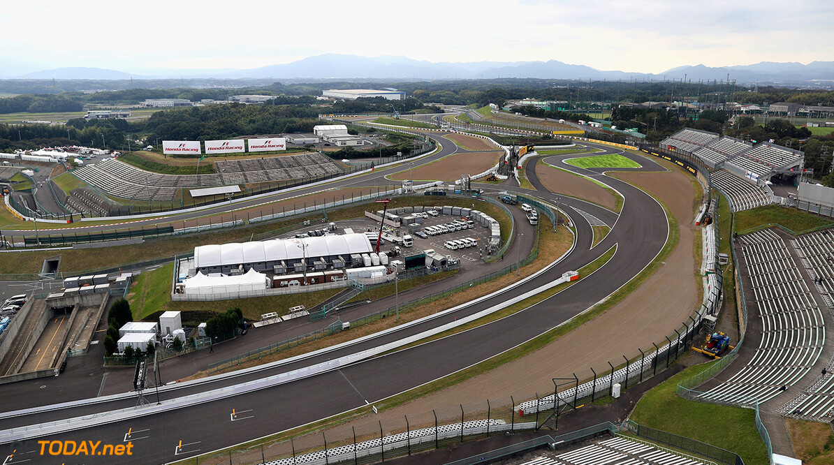 SUZUKA, JAPAN - OCTOBER 05:  A general view of the circuit during previews ahead of the Formula One Grand Prix of Japan at Suzuka Circuit on October 5, 2017 in Suzuka.  (Photo by Lars Baron/Getty Images) // Getty Images / Red Bull Content Pool  // P-20171005-00412 // Usage for editorial use only // Please go to www.redbullcontentpool.com for further information. //  F1 Grand Prix of Japan - Previews Lars Baron Suzuka Japan  P-20171005-00412