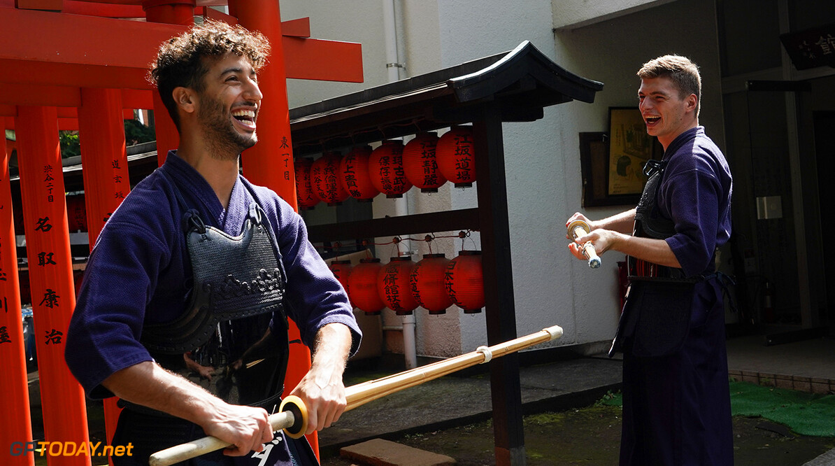 TOKYO, JAPAN - OCTOBER 03:  Max Verstappen of Netherlands and Red Bull Racing and Daniel Ricciardo of Australia and Red Bull Racing learn the martial art of kendo on October 3, 2017 in Tokyo, Japan.  (Photo by Ken Ishii/Getty Images) // Getty Images / Red Bull Content Pool  // P-20171005-00096 // Usage for editorial use only // Please go to www.redbullcontentpool.com for further information. //  F1 Grand Prix of Japan - Previews  Suzuka Japan  P-20171005-00096