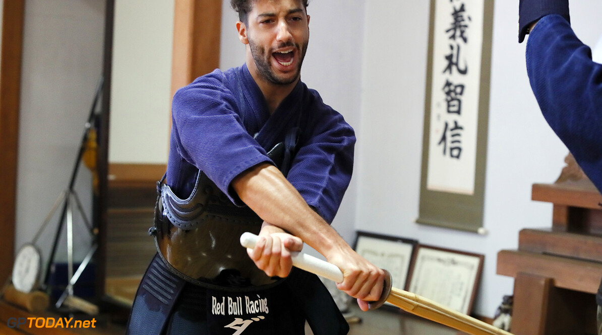 TOKYO, JAPAN - OCTOBER 03:  Daniel Ricciardo of Australia and Red Bull Racing learns the martial art of kendo on October 3, 2017 in Tokyo, Japan.  (Photo by Ken Ishii/Getty Images) // Getty Images / Red Bull Content Pool  // P-20171005-00132 // Usage for editorial use only // Please go to www.redbullcontentpool.com for further information. //  F1 Grand Prix of Japan - Previews  Suzuka Japan  P-20171005-00132