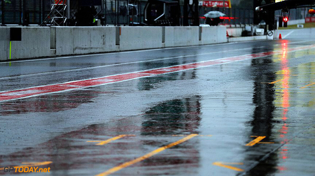 FP2: Rain hampers session, Lewis Hamilton quickest