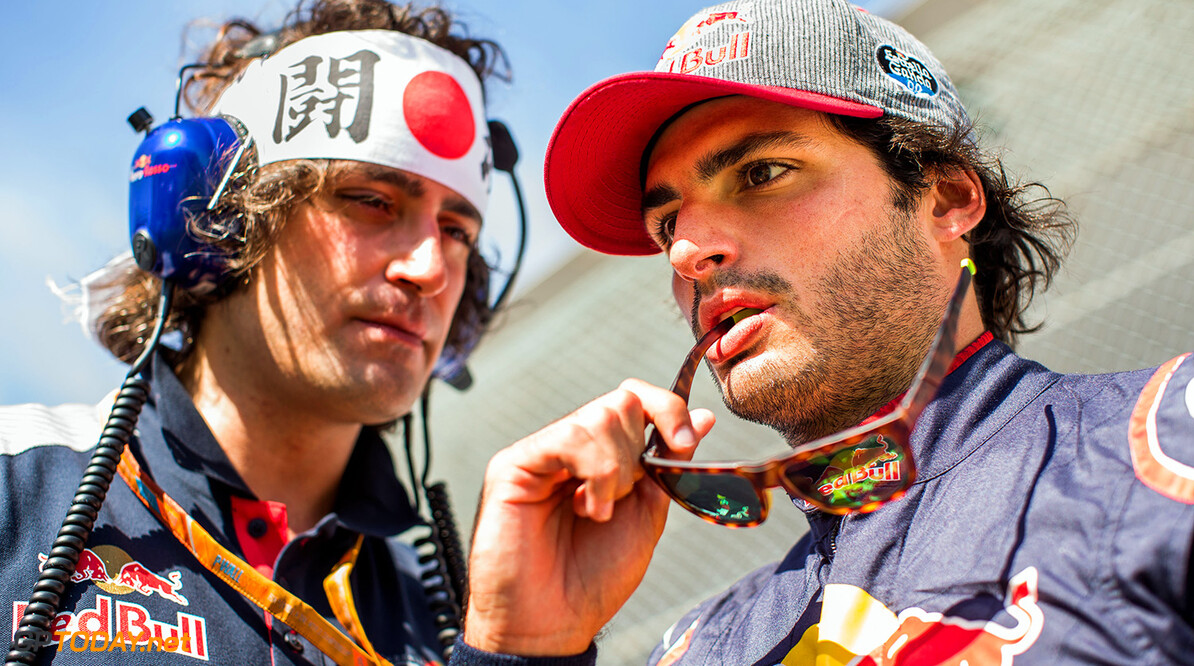 SUZUKA, JAPAN - OCTOBER 08:  Carlos Sainz of Scuderia Toro Rosso and Spain with his race engineer Marco Matassa during the Formula One Grand Prix of Japan at Suzuka Circuit on October 8, 2017 in Suzuka.  (Photo by Peter Fox/Getty Images) // Getty Images / Red Bull Content Pool  // P-20171008-01036 // Usage for editorial use only // Please go to www.redbullcontentpool.com for further information. //  F1 Grand Prix of Japan Peter Fox Suzuka Japan  P-20171008-01036