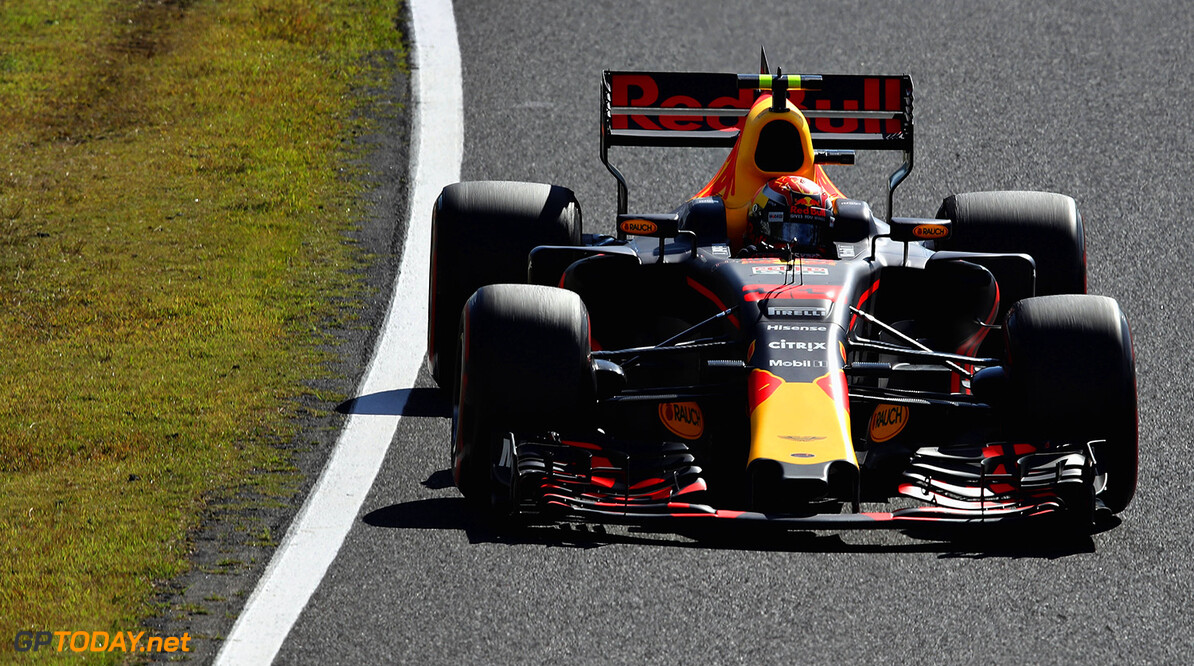 SUZUKA, JAPAN - OCTOBER 08: Max Verstappen of the Netherlands driving the (33) Red Bull Racing Red Bull-TAG Heuer RB13 TAG Heuer on track during the Formula One Grand Prix of Japan at Suzuka Circuit on October 8, 2017 in Suzuka.  (Photo by Clive Mason/Getty Images) // Getty Images / Red Bull Content Pool  // P-20171008-00591 // Usage for editorial use only // Please go to www.redbullcontentpool.com for further information. //  F1 Grand Prix of Japan Clive Mason Suzuka Japan  P-20171008-00591