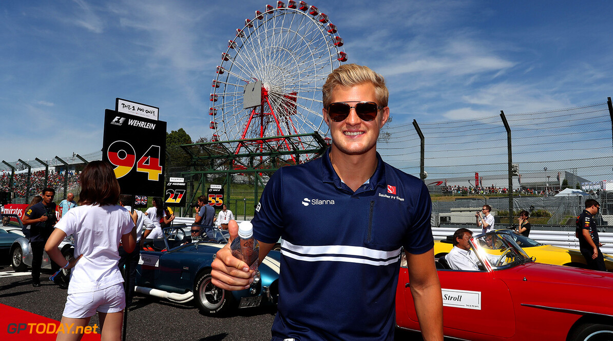 Japanese GP Sunday 08/10/17 Marcus Ericsson (SWE), Sauber F1 Team. Drivers parade. Suzuka Circuit.  Japanese GP Sunday 08/10/17 Jean-Francois Galeron Suzuka Japan  F1 Formula One 2017 Ericsson Sauber