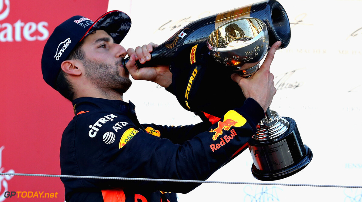 SUZUKA, JAPAN - OCTOBER 08:  Third place finisher Daniel Ricciardo of Australia and Red Bull Racing celebrates on the podium during the Formula One Grand Prix of Japan at Suzuka Circuit on October 8, 2017 in Suzuka.  (Photo by Mark Thompson/Getty Images) // Getty Images / Red Bull Content Pool  // P-20171008-00745 // Usage for editorial use only // Please go to www.redbullcontentpool.com for further information. //  F1 Grand Prix of Japan Mark Thompson Suzuka Japan  P-20171008-00745