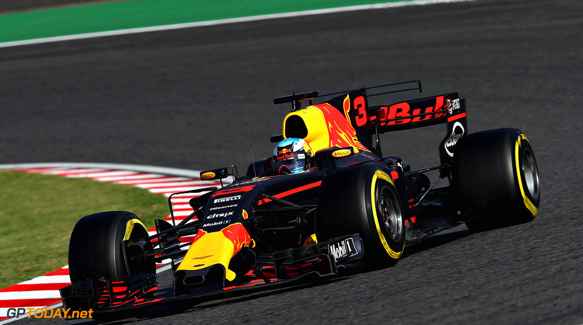 SUZUKA, JAPAN - OCTOBER 08: Daniel Ricciardo of Australia driving the (3) Red Bull Racing Red Bull-TAG Heuer RB13 TAG Heuer on track during the Formula One Grand Prix of Japan at Suzuka Circuit on October 8, 2017 in Suzuka.  (Photo by Mark Thompson/Getty Images) // Getty Images / Red Bull Content Pool  // P-20171008-01312 // Usage for editorial use only // Please go to www.redbullcontentpool.com for further information. //  F1 Grand Prix of Japan Mark Thompson Suzuka Japan  P-20171008-01312