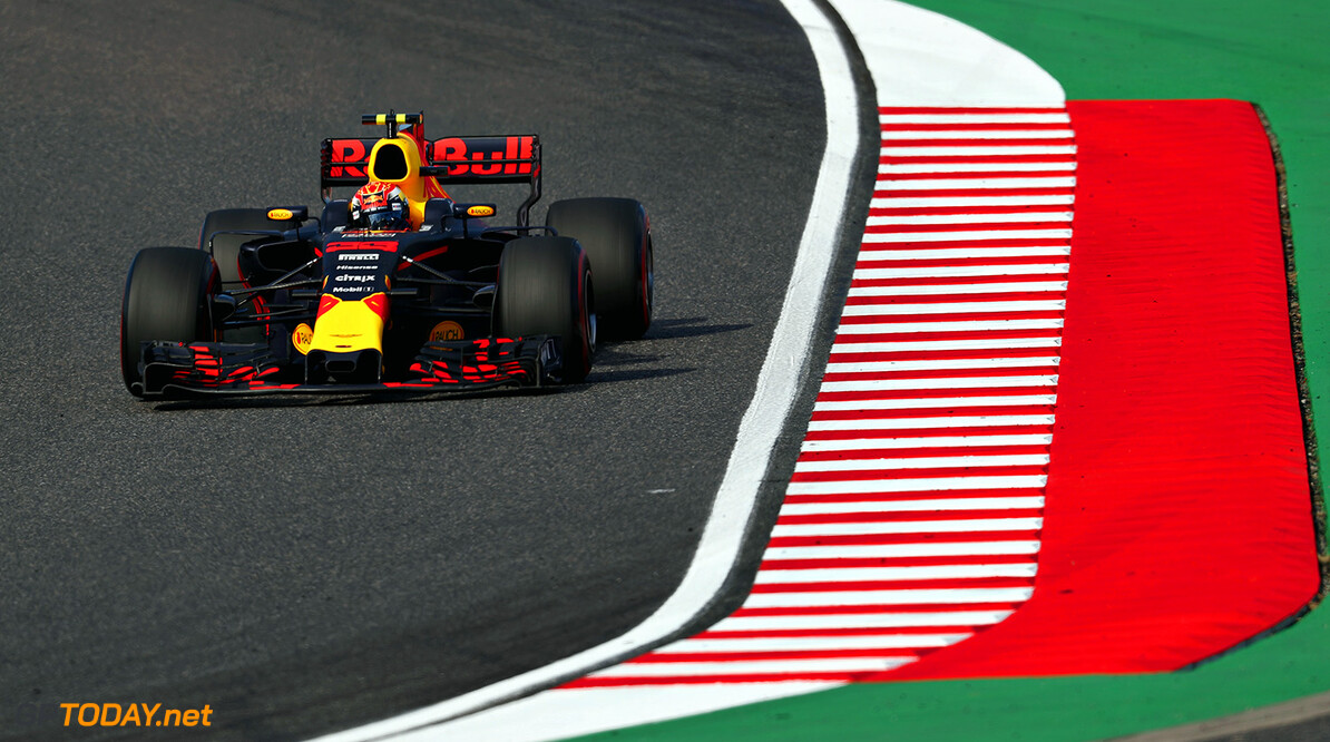 SUZUKA, JAPAN - OCTOBER 08: Max Verstappen of the Netherlands driving the (33) Red Bull Racing Red Bull-TAG Heuer RB13 TAG Heuer on track during the Formula One Grand Prix of Japan at Suzuka Circuit on October 8, 2017 in Suzuka.  (Photo by Mark Thompson/Getty Images) // Getty Images / Red Bull Content Pool  // P-20171008-01274 // Usage for editorial use only // Please go to www.redbullcontentpool.com for further information. //  F1 Grand Prix of Japan Mark Thompson Suzuka Japan  P-20171008-01274