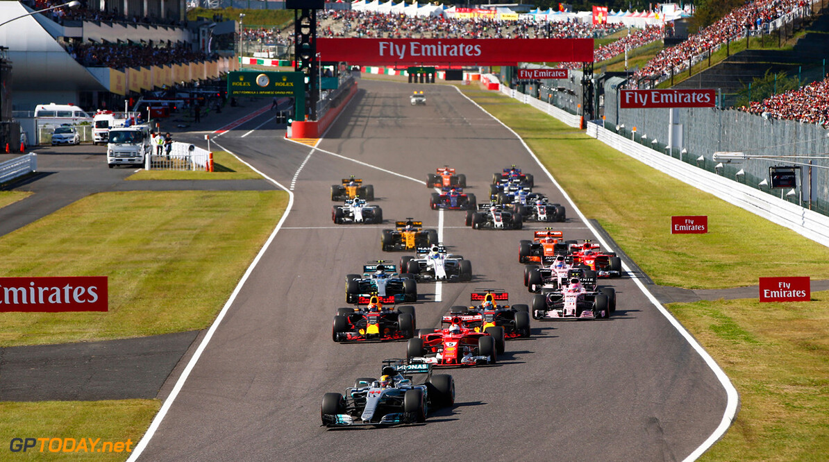 Suzuka Circuit, Japan. Sunday 08 October 2017. Lewis Hamilton, Mercedes F1 W08 EQ Power+, leads at the start of the race. World Copyright: Andy Hone/LAT Images  ref: Digital Image _ONY8649      f1 formula 1 formula one gp action