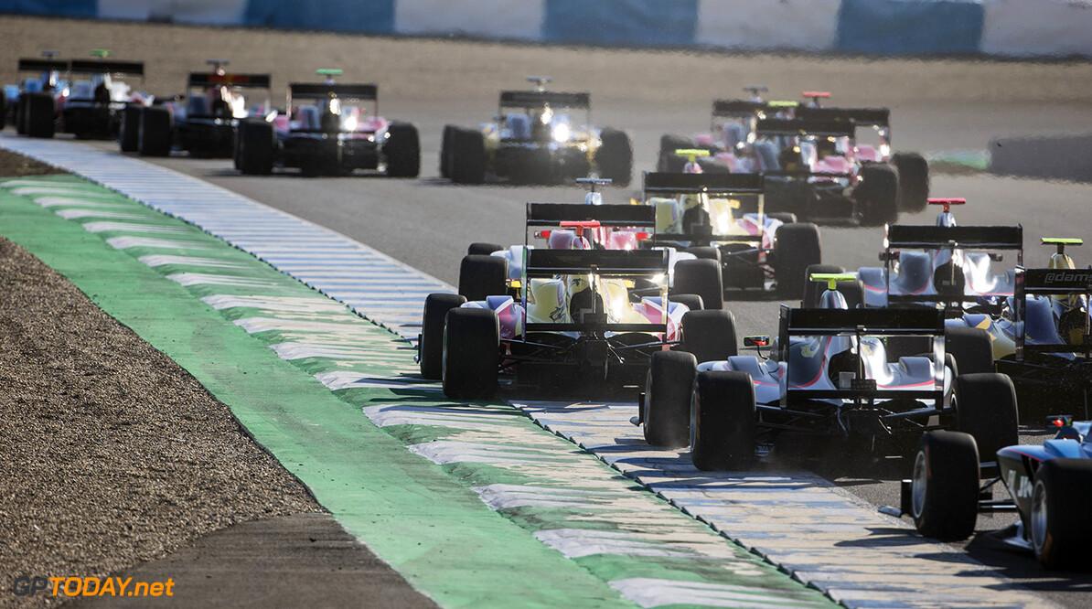 Boccolacci wint laatste GP3-race van het seizoen, Schothorst ziet podiumkans vervliegen