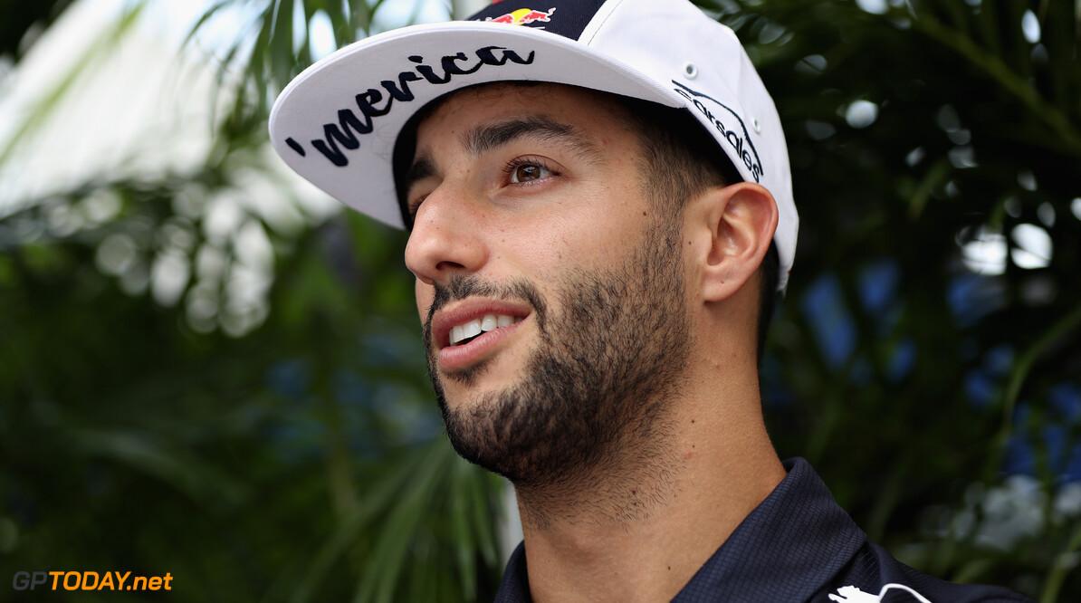 "Helmut Marko: ""Doel is om ook Daniel Ricciardo langer aan ons te binden"""