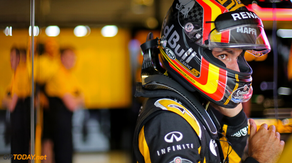 Alonso not surpised by Sainz's impressive Renault debut