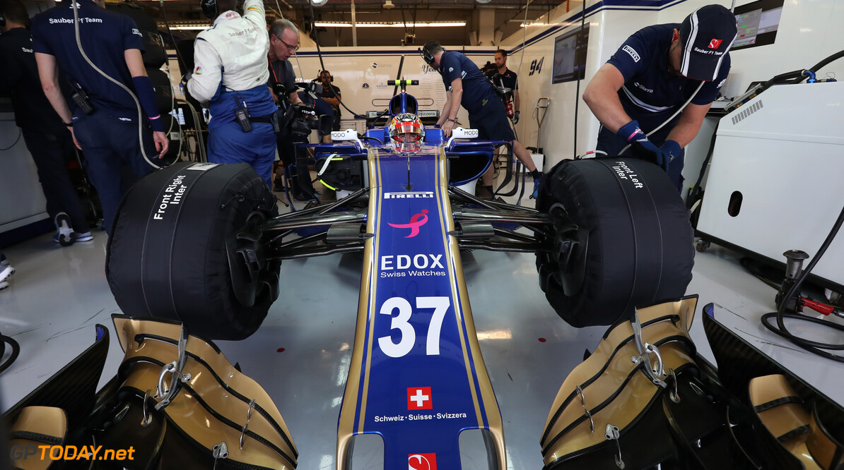United States GP Friday 20/10/17  Charles Leclerc (MON) Sauber F1 Team.  Circuit of the Americas.  United States GP Friday 20/10/17 Jad Sherif Austin USA  F1 Formula 1 One 2017 Pits Leclerc Sauber