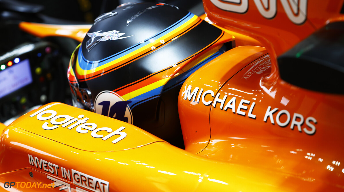 Circuit of the Americas, Austin, Texas, United States of America. Friday 20 October 2017. Fernando Alonso, McLaren. Photo: Steven Tee/McLaren ref: Digital Image _R3I9280  Steven Tee    f1 formula 1 formula one gp grand prix Portrait Helmets