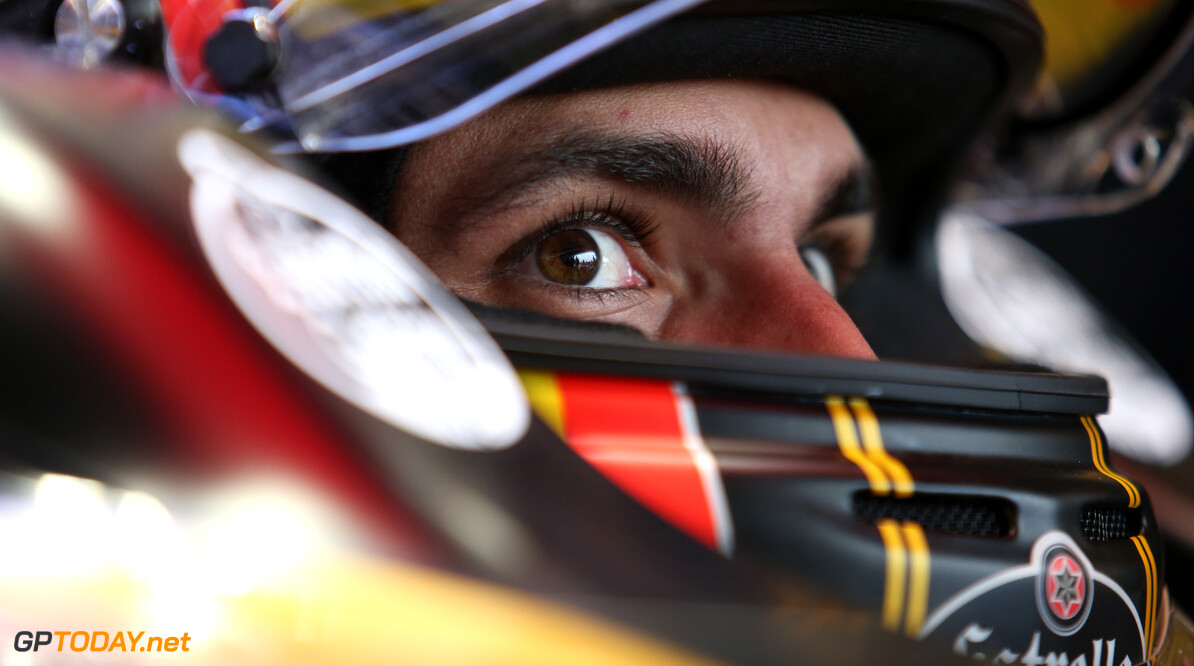Carlos Sainz fends off 2019 Red Bull switch rumours