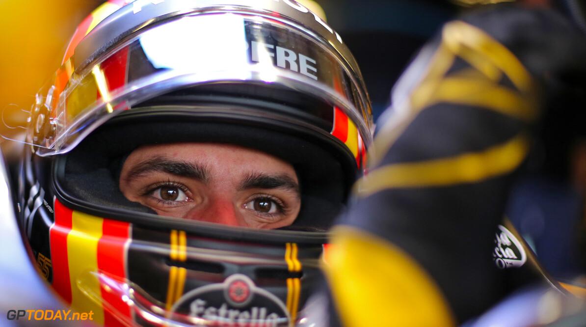 Sainz targeting top six finish on Renault debut