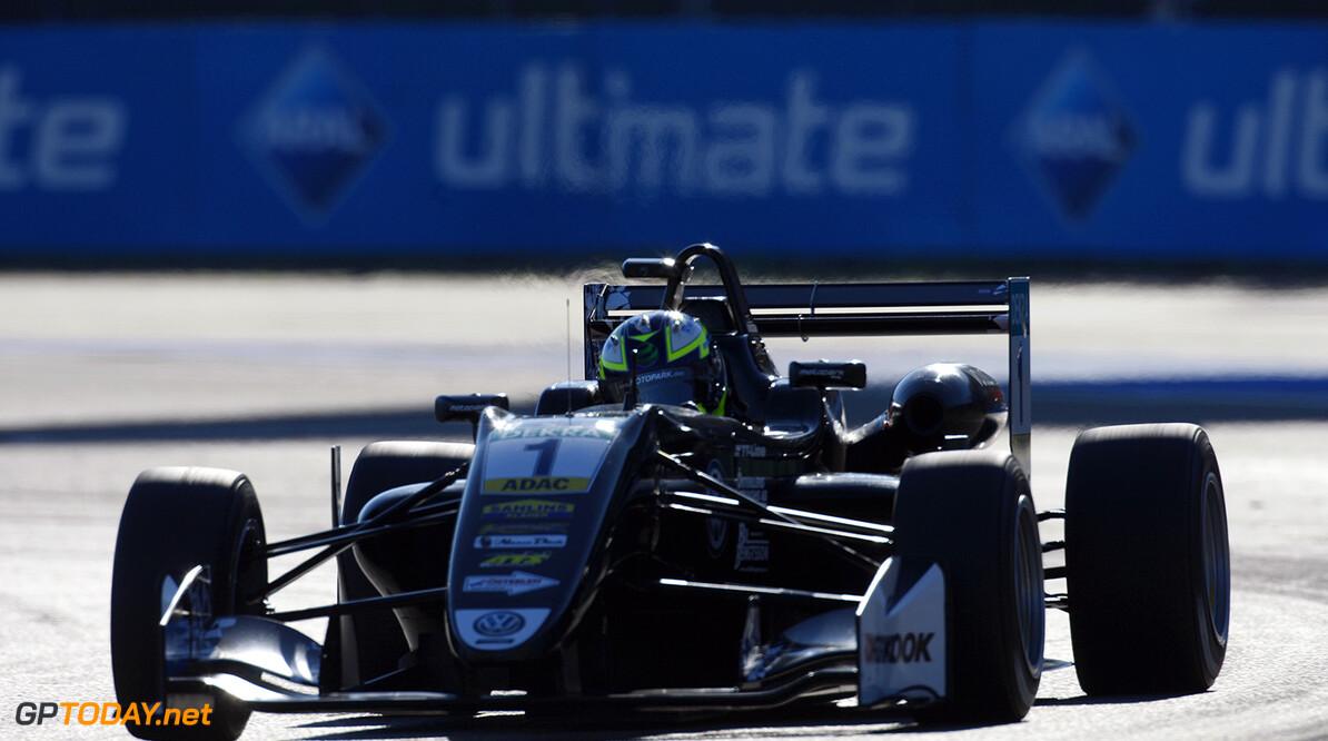 Eriksson klopt Norris voor pole position in Macau