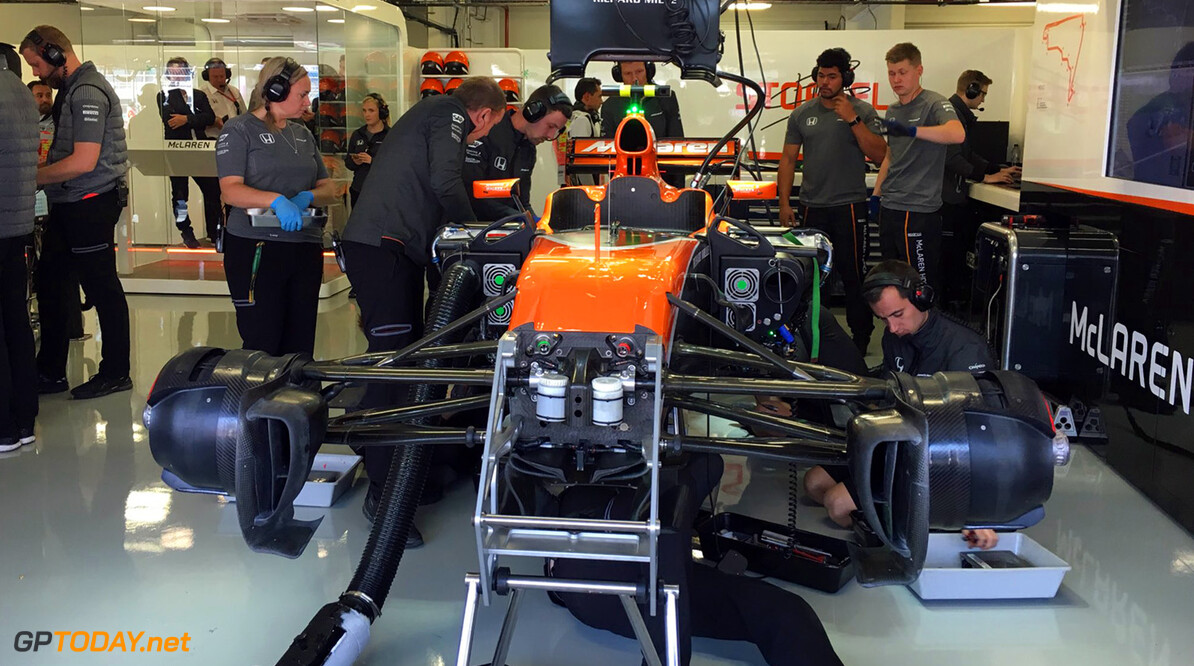 McLaren had to redesign clutch and gearbox for 2018