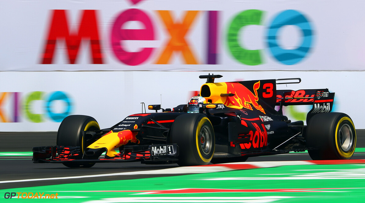 MEXICO CITY, MEXICO - OCTOBER 27: Daniel Ricciardo of Australia driving the (3) Red Bull Racing Red Bull-TAG Heuer RB13 TAG Heuer on track during practice for the Formula One Grand Prix of Mexico at Autodromo Hermanos Rodriguez on October 27, 2017 in Mexico City, Mexico.  (Photo by Clive Rose/Getty Images) // Getty Images / Red Bull Content Pool  // P-20171028-00070 // Usage for editorial use only // Please go to www.redbullcontentpool.com for further information. //  F1 Grand Prix of Mexico - Practice Clive Rose Mexico City Mexico  P-20171028-00070