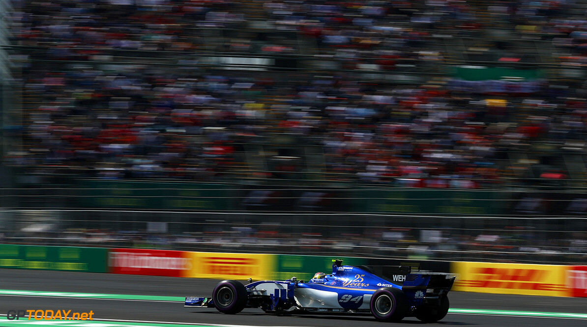 Mexican GP Friday 27/10/17 Pascal Wehrlein (D), Sauber F1 Team   Autodromo Hermanos Rodriguez.  Mexican GP Friday 27/10/17 Jad Sherif Mexico City Mexico  F1 Formula 1 One 2017 Action Wehrlein Sauber