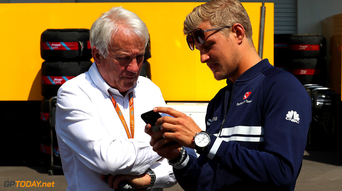 Mexican GP Friday 27/10/17 Charlie Whiting (GB), FIA race director, official starter and safety delegate.Marcus Ericsson (SWE), Sauber F1 Team. Autodromo Hermanos Rodriguez.  Mexican GP Friday 27/10/17 Jean-Francois Galeron Mexico City Mexico  F1 Formula One 2017 Whiting Ericsson