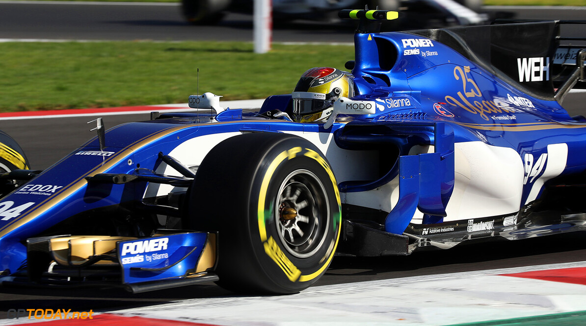 Mexican GP Friday 27/10/17 Pascal Wehrlein (D), Sauber F1 Team.  Autodromo Hermanos Rodriguez.  Mexican GP Friday 27/10/17 Jad Sherif Mexico City Mexico  F1 Formula 1 One 2017 Action Wehrlein Sauber