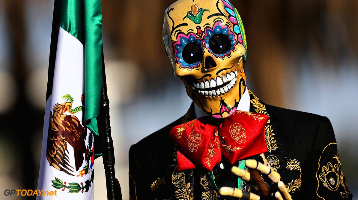 MEXICO CITY, MEXICO - OCTOBER 27:  A Day of the Dead entertainer poses in the Paddock during practice for the Formula One Grand Prix of Mexico at Autodromo Hermanos Rodriguez on October 27, 2017 in Mexico City, Mexico.  (Photo by Mark Thompson/Getty Images) // Getty Images / Red Bull Content Pool  // P-20171028-00267 // Usage for editorial use only // Please go to www.redbullcontentpool.com for further information. //  F1 Grand Prix of Mexico - Practice Mark Thompson Mexico City Mexico  P-20171028-00267