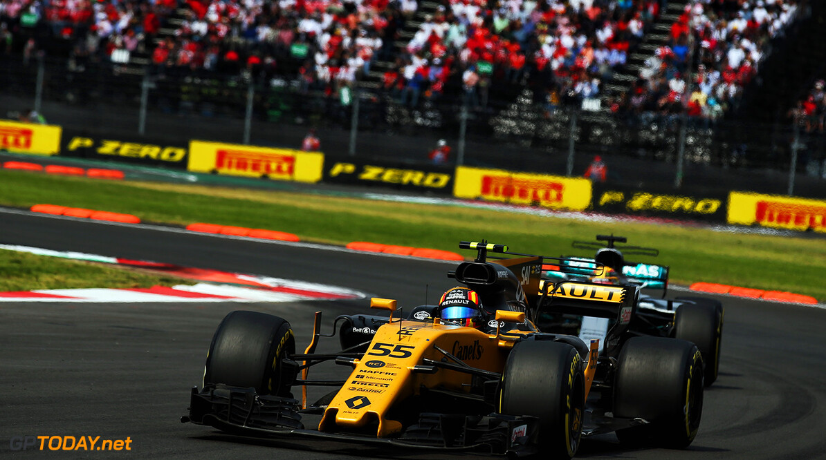 Formula One World Championship Carlos Sainz Jr (ESP) Renault Sport F1 Team RS17. Mexican Grand Prix, Sunday 29th October 2017. Mexico City, Mexico. Motor Racing - Formula One World Championship - Mexican Grand Prix - Race Day - Mexico City, Mexico Renault Sport Formula One Team Mexico City Mexico  Formula One Formula 1 F1 GP Grand Prix Circuit Mexico Mexican Mexico City Autodromo Hermanos JM781 Jnr Junior Jnr. Jr. Action Track GP1718d
