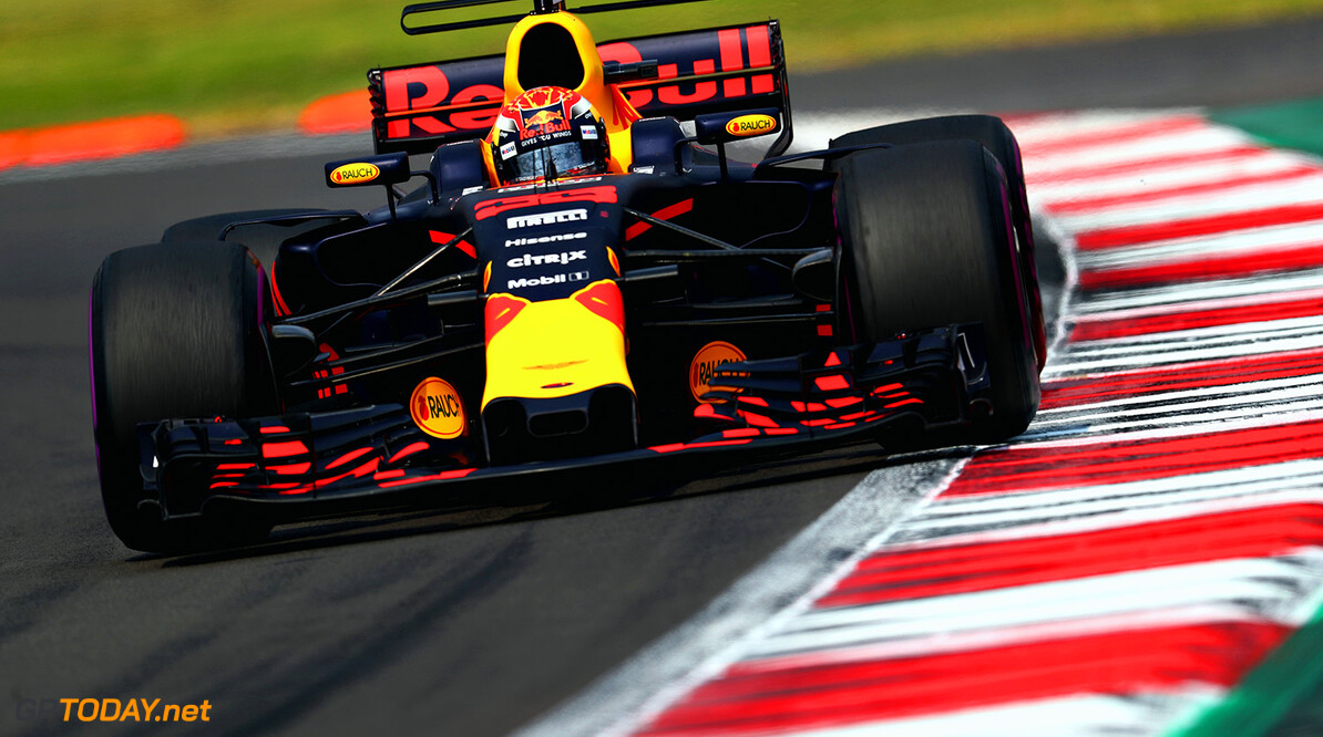 MEXICO CITY, MEXICO - OCTOBER 29:  Max Verstappen of the Netherlands driving the (33) Red Bull Racing Red Bull-TAG Heuer RB13 TAG Heuer on track during the Formula One Grand Prix of Mexico at Autodromo Hermanos Rodriguez on October 29, 2017 in Mexico City, Mexico.  (Photo by Clive Rose/Getty Images) // Getty Images / Red Bull Content Pool  // P-20171029-01126 // Usage for editorial use only // Please go to www.redbullcontentpool.com for further information. //  F1 Grand Prix of Mexico Clive Rose Mexico City Mexico  P-20171029-01126