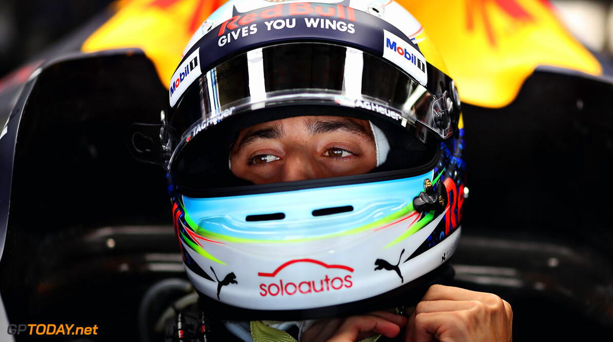 MEXICO CITY, MEXICO - OCTOBER 28:  Daniel Ricciardo of Australia and Red Bull Racing prepares to drive in the garage during qualifying for the Formula One Grand Prix of Mexico at Autodromo Hermanos Rodriguez on October 28, 2017 in Mexico City, Mexico.  (Photo by Mark Thompson/Getty Images) // Getty Images / Red Bull Content Pool  // P-20171028-01529 // Usage for editorial use only // Please go to www.redbullcontentpool.com for further information. //  F1 Grand Prix of Mexico - Qualifying Mark Thompson Mexico City Mexico  P-20171028-01529